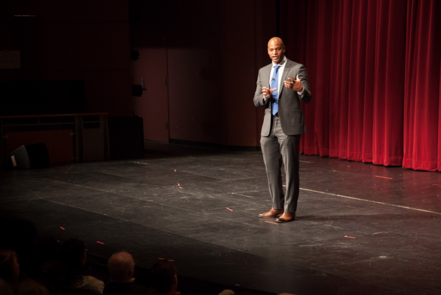 Author+Wes+Moore+engages+the+school+during+his+lecture.